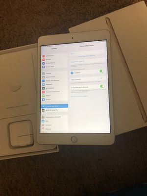 iPad mini3 16GB like new with box for Sale in Silver Spring, MD