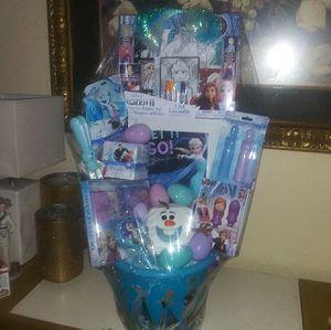 FIRM PRICE/PRECIO FIRME Frozen Easter Basket Canasta de Frozen NO HOLDS/NO APARTO for Sale in Arlington, TX