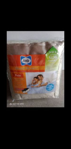 Cerritos.. NEW Saely twin size heating blanket for Sale in Artesia, CA