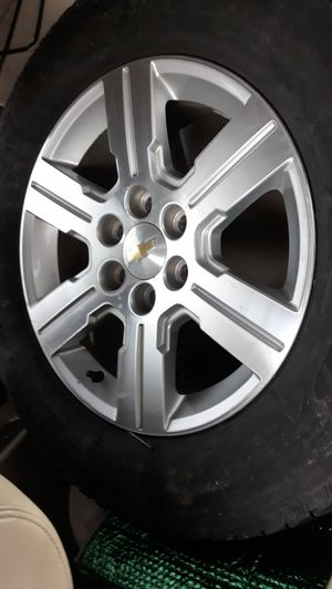 Chevy rim with tier for Sale in Aurora, CO