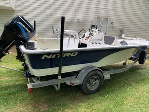 2004 NITRO BAY 1900 CENTER CONSOLE for Sale in Richmond, VA