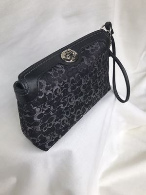 Coach wristlet purse for Sale in Bolingbrook, IL