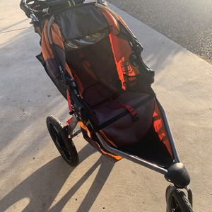 Jogger stroller for Sale in Imperial Beach, CA
