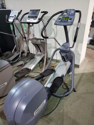 Precor elliptical efx 5.23 great condition for Sale in Coconut Creek, FL