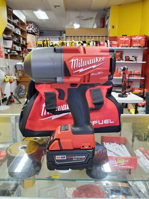 Milwaukee Fuel 1/2 Wrench High Impact 1400 Torque Kit for Sale in Chicago, IL