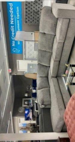 İn STOCK Ashley Altari Sectional D3 for Sale in Alexandria,  VA