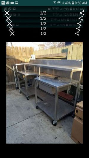 Commercial Bakers pizza catering chef prep table tables like this are over $2000 has flour (salad ,more) bowl drawers heavy solid for Sale in Tracy, CA