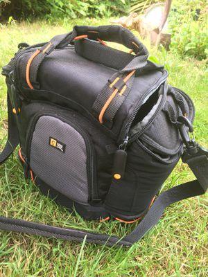 Case logic DSLR camera bag, tough for Sale in Portland, OR