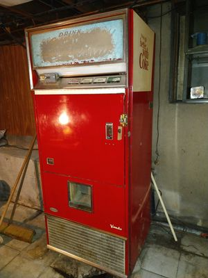 1950s to 60s vendo Coke machine for Sale in Gaithersburg, MD