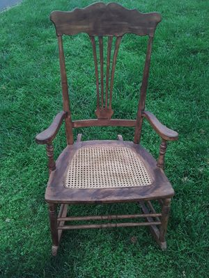 Rocking chair for Sale in Bunker Hill, WV