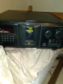 Sony CD Player CDP=CX355 ( MEGA STORAGE 300) for Sale in St. Louis,  MO