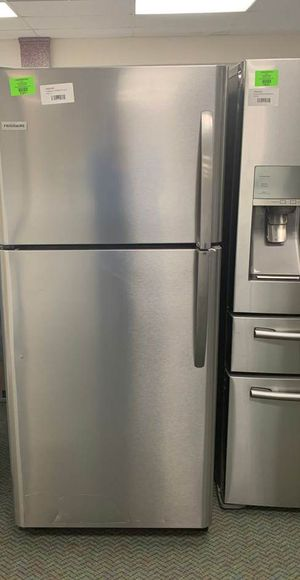 BRAND NEW STAINLESS STEEL FRIGIDAIRE TOP AND BOTTOM REFRIGERATOR Z42D for Sale in Azusa, CA
