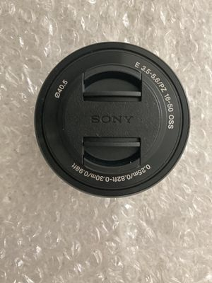 Sony 16-50mm lens for Sale in Los Angeles, CA