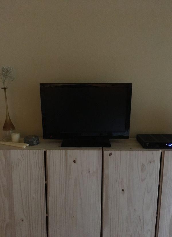 """Dynex 28"""" TV 📺"""