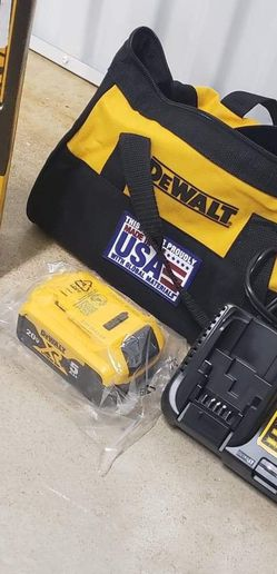 Dewalt Multitool With Battery for Sale in Roswell,  GA