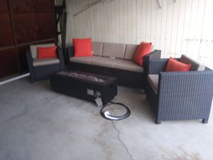 Outdoor patio furniture set with firepit for Sale in Los Angeles, CA