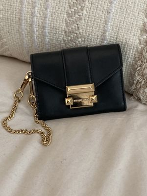 Michael Kors Whitney Small Black Chain Wallet for Sale in Los Angeles, CA