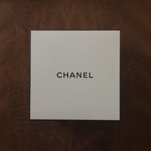 Chanel Perfume Box for Sale in Lewisville, TX