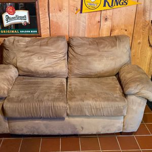 Love sofa for Sale in Darlington, PA