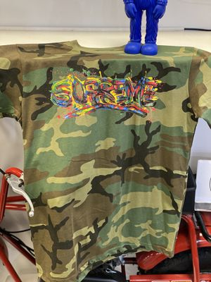 Supreme Paint Logo Camo size large for Sale in Sterling Heights, MI