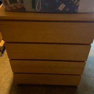 Dresser queen headboard and nightstand for Sale in Bremerton, WA
