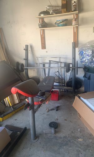 Weight bench,bar,weights for Sale in Modesto, CA