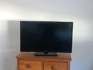 Insignia tv with roku for Sale in Atlanta, GA