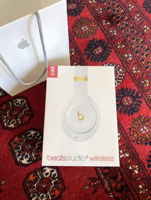 NEW Beats Studio3 Wireless Headphones - White for Sale in Woodbridge, VA