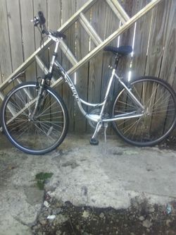 Brand-new trek bike for Sale in Bloomington,  IL