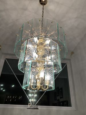 Beautiful 20 bulb Glass Chandalier for Sale in Kent, WA