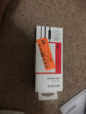 sony wired headpone in box for Sale in Austin, TX
