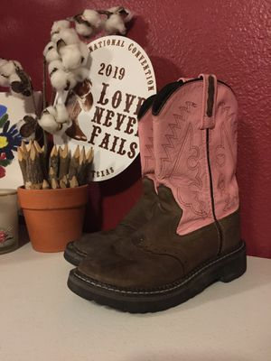 Girls boots size 3 for Sale in Albuquerque, NM