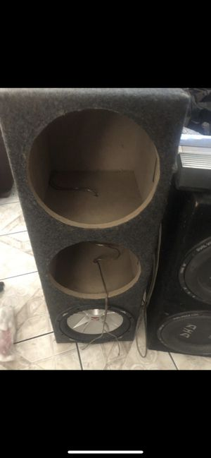"""12"""" Box and a 12"""" kicker Sub!! Just been sitting at home. for Sale in Riverside, CA"""