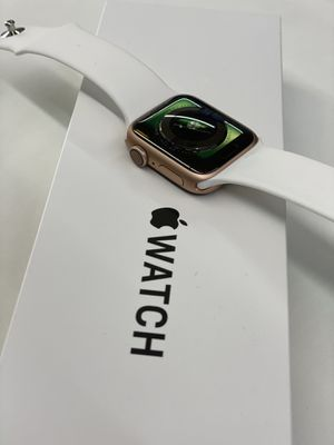 Apple Watch series 4 rosegold for Sale in Houston, TX