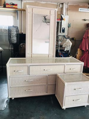 dresser with mirror and a bedside table very good condition for Sale in Port Richey, FL