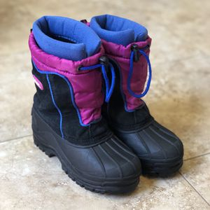 Toddler Winter Snow Boots Size 13 for Sale in Las Vegas, NV
