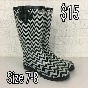 rain boots for Sale in Burleson, TX