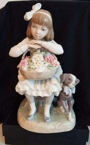 "Mint Lladro Glazed figurine 8.5""H. Little Girl w Dog & Full Flower Basket 8.5"" tall! for Sale in Mine Hill Township, NJ"