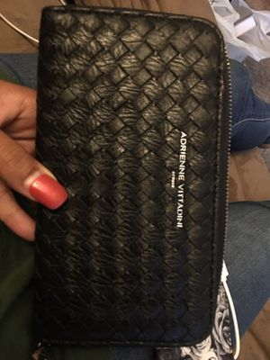 Adrienne Vittadini Wristlet Wallet w/portable charger for Sale in Nashville, TN