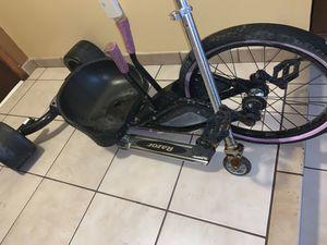Bike, razor for Sale in Hialeah, FL