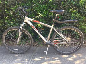 "Giant 26"" Hybrid Mountain Bike with Pannier Rack - LIKE NEW for Sale in Raleigh, NC"
