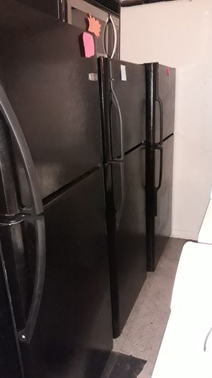 Top and bottom refrigerator excellent condition 4months warranty $225 and up for Sale in Halethorpe, MD