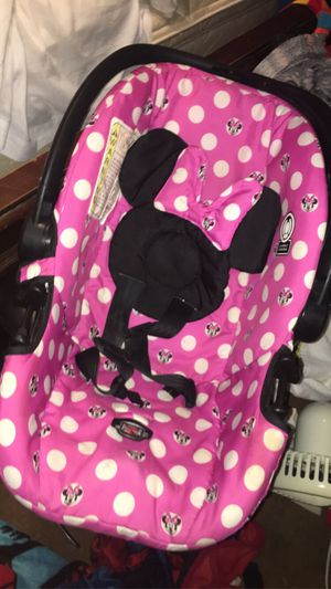 Minnie car seat for Sale in East St. Louis, IL