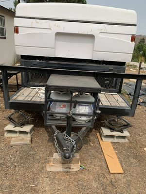 2012 4 wheel 6 by 20 trailer with 2000 colman camper for Sale in Menifee, CA