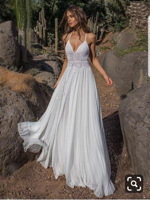 Boho style beach wedding dress with cover for Sale in Phoenix, AZ