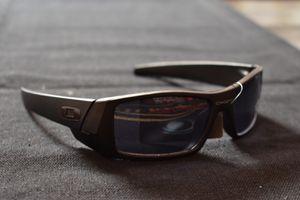 Okely sunglasses for Sale in El Paso, TX