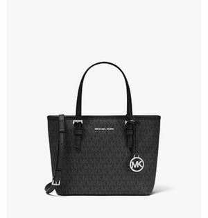 MK small tote MSRP $328 w/reusable MK gift box for Sale in Santa Maria, CA