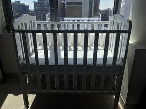 Portable Infant's Mini Crib for Sale in Boston, MA