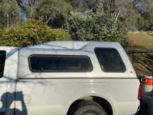 F250 8 ft camper shell for Sale in Coarsegold, CA