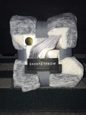 Sherpa Throw Blanket for Sale in Bell, CA